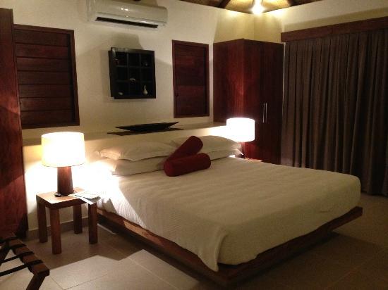 Eratap Beach Resort: Main bedroom