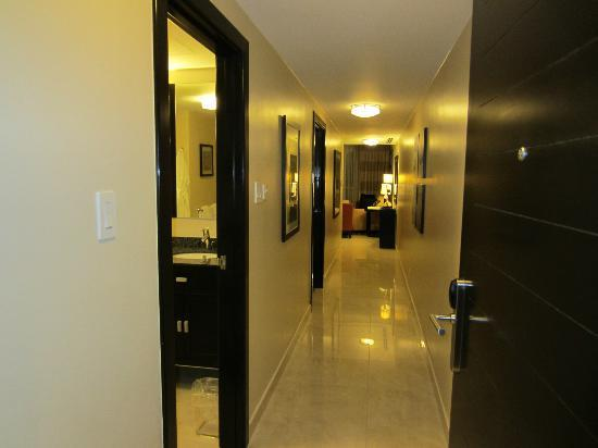 Ocean Two Resort & Residences: Hallway