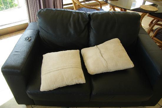 Silverton Holiday Apartments: 2nd Apt. Take A Seat