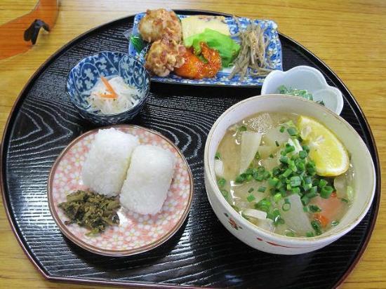 Ichinoide Kaikan: 選べない食事  だんご汁定食