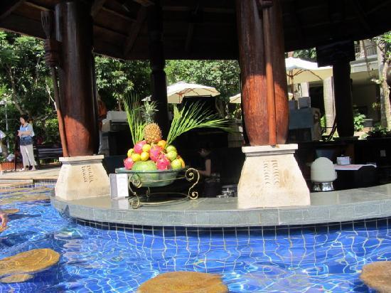 Ocean Sonic Resort : Бар у бассейна