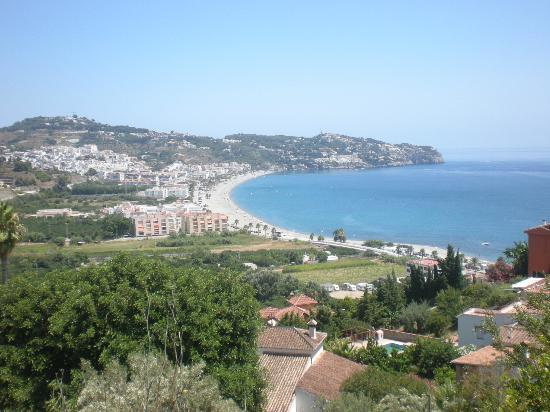 Hotel Almijara: The town of La Herradura seen from the north west