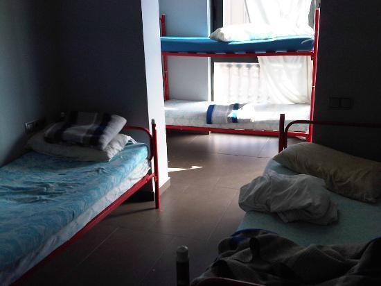 Hostal Windsor: dormitorio