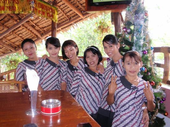 Batu Ampar, Indonésie : friendly staff at goodies