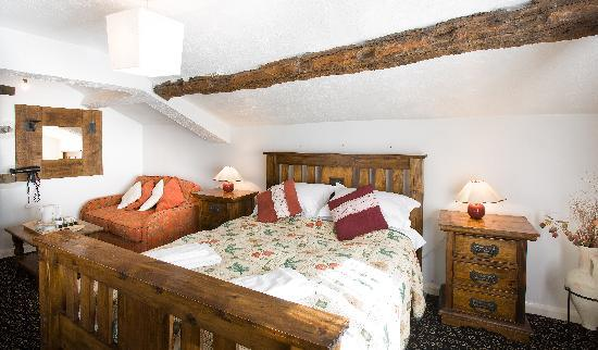 The Dalesman Country Inn: Room Four