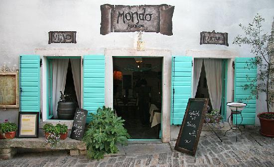 Motovun, Κροατία: Konoba Mondo entrance