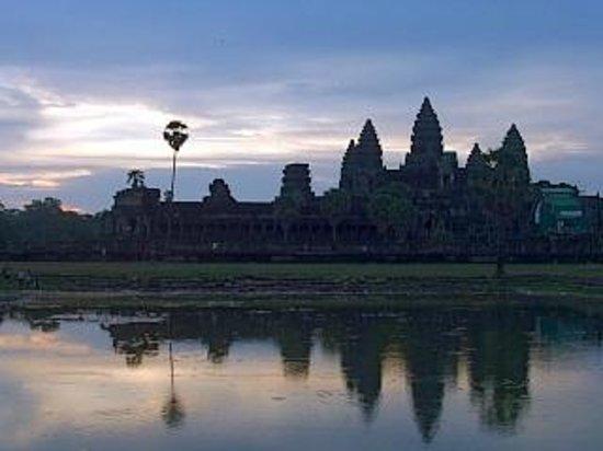 Angkor Wat: アンコールワットの日の出