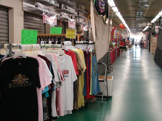 Maingate Flea Market: Innenansicht Flea Market