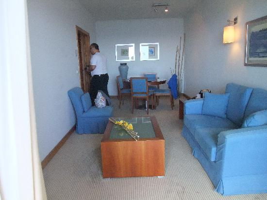 Madeira Regency Cliff: Spacious lounge/diner