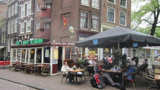 Tapas Restaurant L 'amour: Terrace