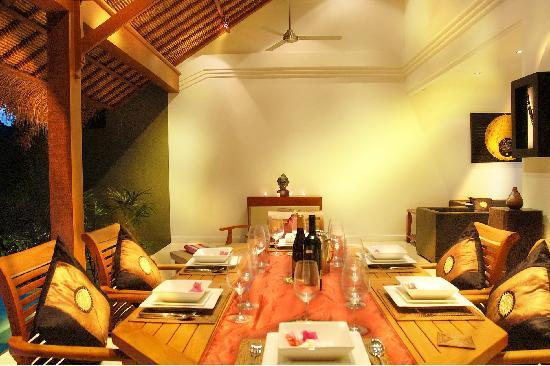 Lalang Temu Villas: Dining room