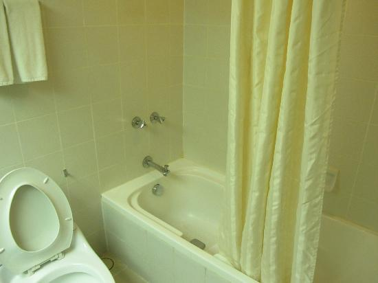 crumby old bath shower combo picture of parkcity everly hotel miri