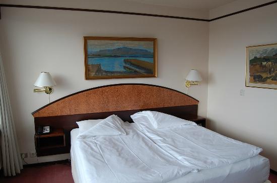Hotel Holt: Sängen i rummet