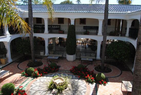 Los Monteros Spa & Golf Resort GL: Patio Andaluz