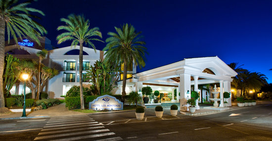 Los Monteros Spa & Golf Resort GL: Los Monteros at Night