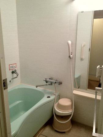 Wisterian Life Club Atami: 温泉とシャワー、カランは別の蛇口