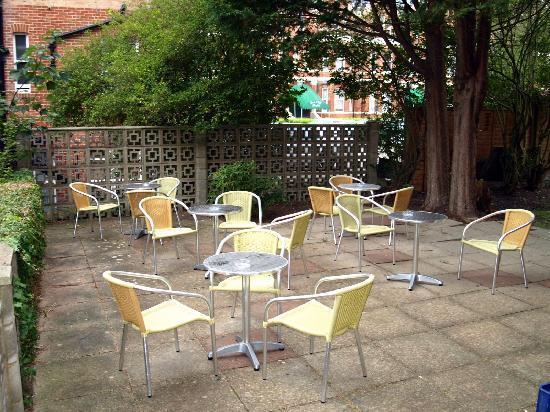 Mansfield Hotel: Garden