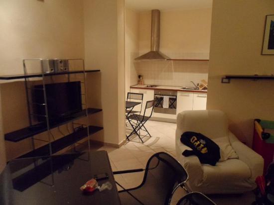 Residenza Ariosto: vista a la cocina