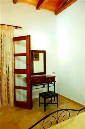 Interior - Trikalioti's Estate: 14