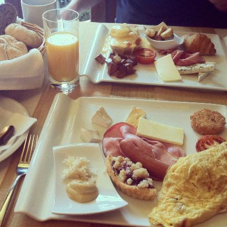Residence U Cerneho Orla: Delicious breakfast