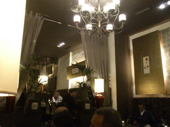 Sama-Sama: Salle de restaurant