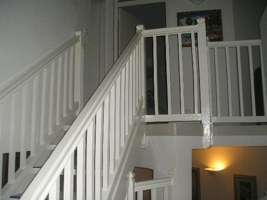Idolem St-Martin Residence: Escalier pour se rendre aux chambres