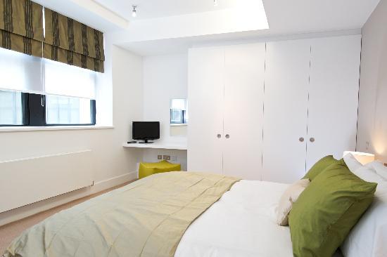 Fraser Residence Monument : Bedroom
