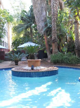 Garden Court Hatfield : Pool