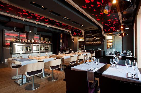 simplewine bar st petersburg   restaurant reviews phone