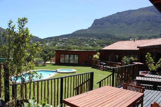 African Family Farm: Gästebereich Pool