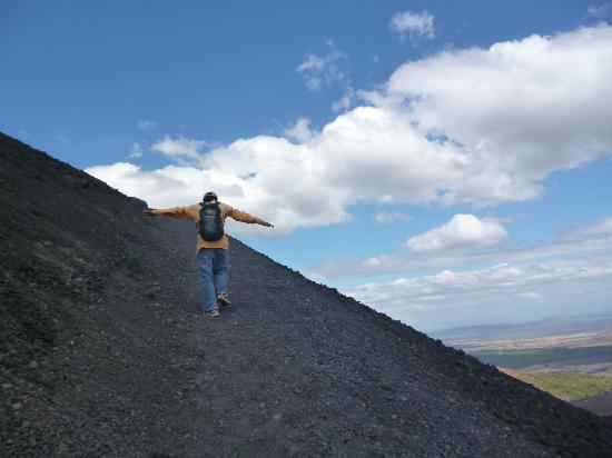 Mas Adventures Day Tours: Cerro Negro