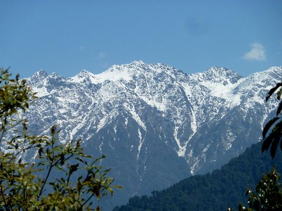 Tashi View Point: surrounding peaks