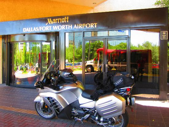 Dallas/Fort Worth Airport Marriott: An airport hotel on a motorcycle