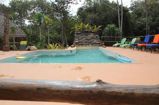 Mariposa Jungle Lodge: Pool