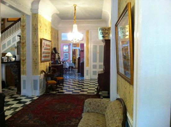 Park View Historic Hotel and Guest House: Entrance Hall