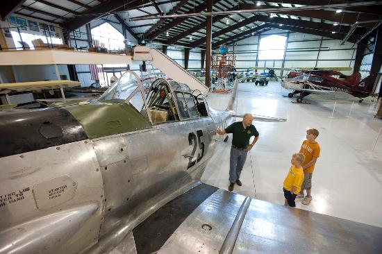 Minot, ND: Dakota Territory Air Museum