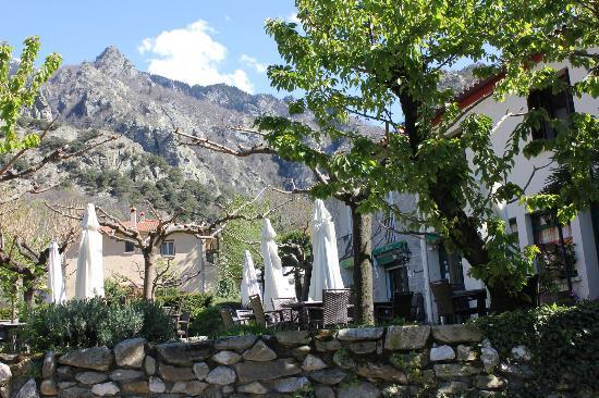 Hotel Le Moliere: La montagne n'est pas loin !