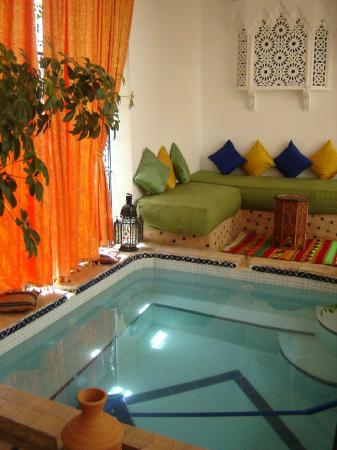Riad Atlas Guest House: patio pool and view from bedrom door!