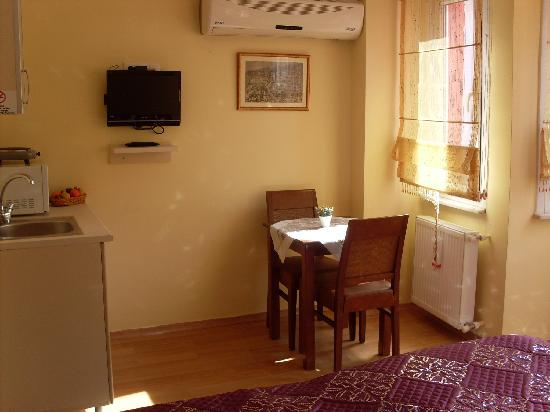 Pink Apart House: DOUBLE ROOM WİTH KİTCHEN