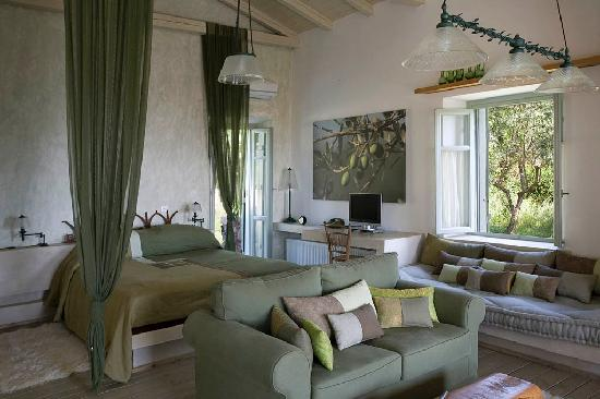 Mystras, Greece: The Olive, superior suite
