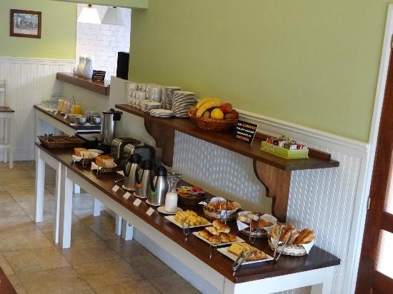 Ayres Hotel: CAfé da manhã