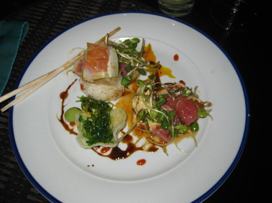 Orquideas: The Tuna Poke' is unbeatable, had it several places.