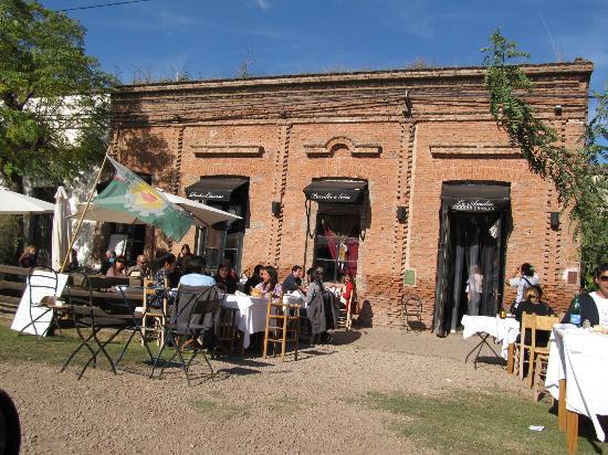 Carlos Keen, Argentina: La Amelia Restaurant