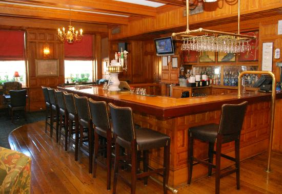 most comfortable bar stools. Hawthorne Hotel: The Inviting Bar In Tavern At With Most Comfortable Stools