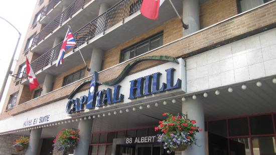 Capital Hill Hotel & Suites: entrance and lower floors