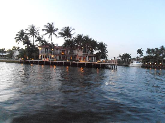 Intracoastal Waterway: Casas iluminadas