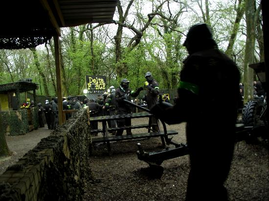 Delta Force Paintball Banbury: Getting ready to go again