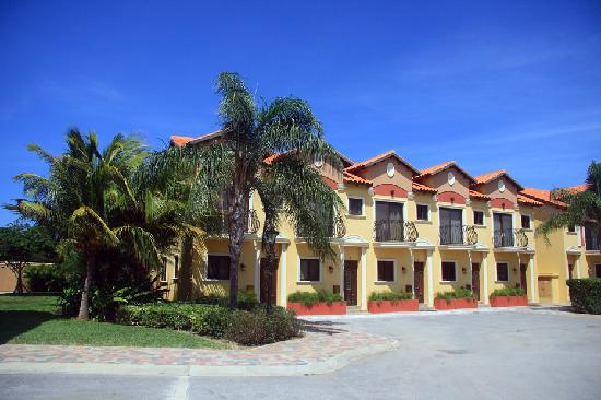 Gold Coast Aruba: 2 Bedroom Town Homes Exterior