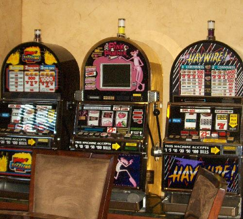 Arkens Bed & Breakfast: Casino Slot Machines for your enjoyment