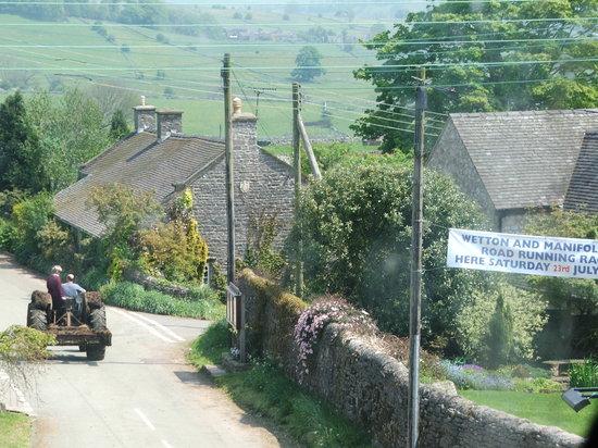 The Royal Oak Inn : Wetton village